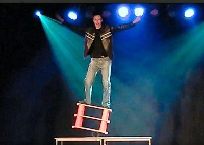 Amazing Juggling & Performance Balance Artist